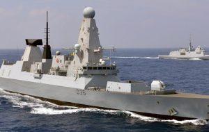 کشتی جنگی انگلیسی پس از ۷ ماه خلیج فارس را ترک کرد
