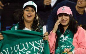 چرا مجریان سعودی کشف حجاب را تبلیغ میکنند؟