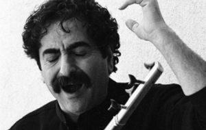 (انتقاد شهرام ناظری از نشان دادن سازها از دور در کنسرتش