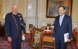 سفیر جدید ایران استوارنامه خود را به پادشاه نروژ تحویل داد