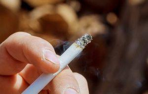 ۷۰ درصد بازار دخانیات کشور در اختیار دو شرکت خارجی